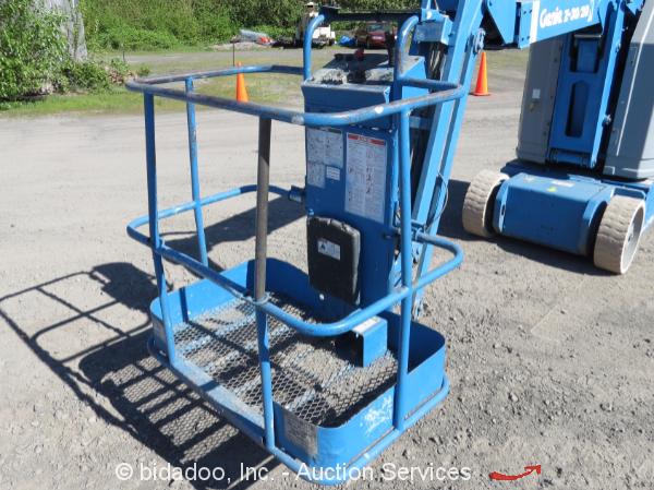 Narrow Articulating Boom Lift : Genie z n narrow articulating aerial boom lift v